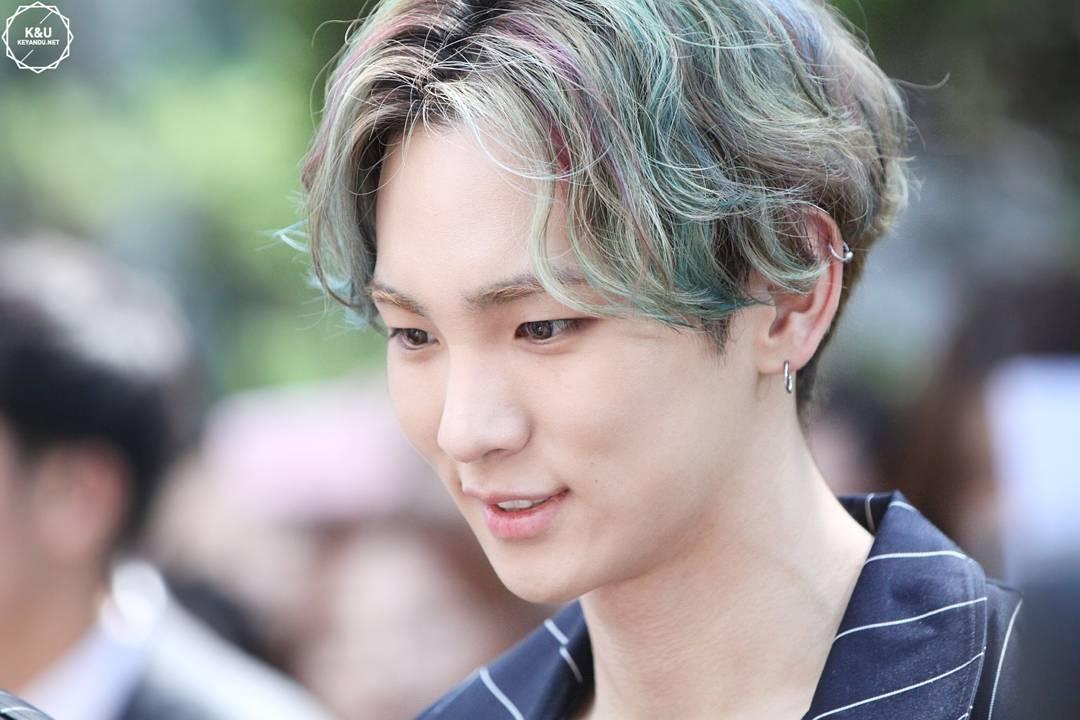 "Warna Warni Dunia Penyanyi Dan Fashionista Tampan, ""Key"" Shinee"